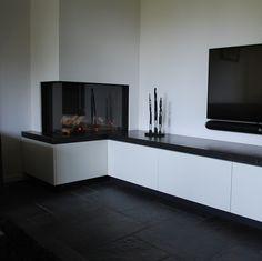 Christmas Fireplace Mantels, Home Fireplace, Modern Fireplace, Living Room With Fireplace, New Living Room, Fireplace Design, Living Room Decor, Victorian Internal Doors, Snug Room
