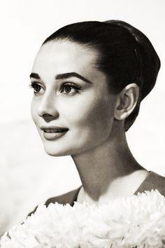 vintagegal:    Audrey Hepburn c. 1959