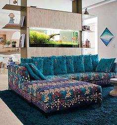 Projeto da arquiteta Rachel Rodrigues destaca o sofá estampado  (Eduardo de Almeida/RA Studio)