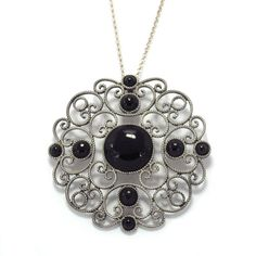 Joyeria Plata y Azabache Artesania Galicia Home Page Silver and Black Jet Crafts Jewelry Crafts Washer Necklace, Pendant Necklace, Gold Work, Jewelry Crafts, Tax Free, Silver Jewelry, Arts And Crafts, Traditional, Jewels