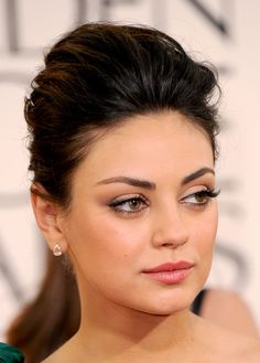 16 ideas for wedding makeup natural hazel eyes mila kunis - - 16 ideas for wed. 16 ideas for wedding makeup n. Natural Wedding Makeup, Wedding Hair And Makeup, Bridal Makeup, Natural Makeup, Bridal Hair, Hair Makeup, Natural Beauty, Prom Makeup, Bridesmaid Makeup Natural