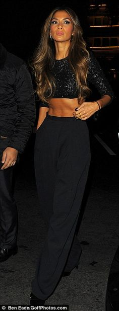 don't know whats nicer her stomach or outfit