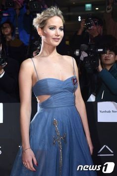 Jennifer Lawrence at 'Passengers' Seoul Premiere - December 16/ 2016