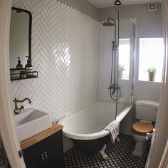 19 Exciting Bathtub Shower Combo Ideas For Wonderful Bathroom Area Design ~ Best Dream House Bathroom Styling, Bathroom Interior, Small Bathroom, Shower Over Bath, Victorian Bathroom, Traditional Bathroom, Clawfoot Tub Shower, White Bathroom, Tile Bathroom
