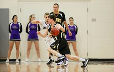 Men's Basketball Holds on to Remain Unbeaten in CCC Play