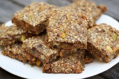 For a snack, try Quinoa Chia Energy Bars. Much more nutritious than bars using oats or wheat, the joint power of quinoa and chia seeds makes these delicious bars the perfect pre- or post-workout snack or on-the-go breakfast. Make a whole batch of them and Chia Benefits, Health Benefits, Chia Recipe, Recipe Key, Healthy Snacks, Healthy Recipes, Protein Snacks, Healthy Breakfasts, Protein Bars