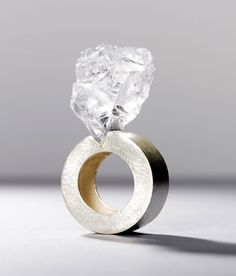 Ring by Philip Sajet. Galerie Orfèo - Galerie d'Art - Luxembourg #ring #jewel