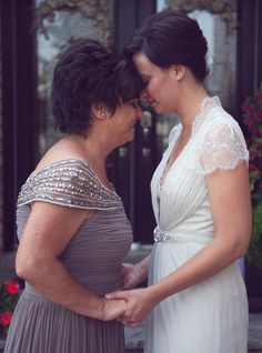 21 Mother of the Bride Photos Worthy of Happy Tears | Photo by: Delmore Creative Photography | TheKnot.com