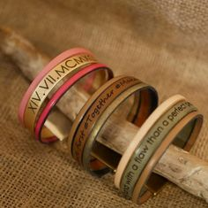 Personalized leather cuff : a unisex large bracelet you can custom choosing colours and text to be engraved | Etsy Cristalizade Bracelet manchette en cuir à composer avec vos couleurs et à personnaliser de votre texte gravé | PersonnaliseMoi.com #leathercuff #bohocuff #leatherbracelet #cuff #manchette #manchettecuir #braceletgravé #braceletpersonnalisé #braceletfemme #cadeauhomme