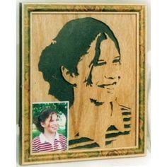 Bonnie Lou amazing portrait - Making the wood alive!  http://cottonwoodcovecrafts.com/categories/portrait-in-wood