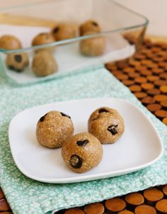 Recipe: Raw Chocolate Chip Cookie Dough Bites — Snack Recipes from The Kitchn