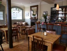 The Harwood Arms in Fulham, London. The first pub to earn a Michelin star. Pub Interior, Restaurant Interior Design, Interior Decorating, Restaurant Furniture, Bar Pub, Cafe Bar, Pub Design, Design Studio, Modern Restaurant