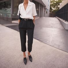 Ideas Clothes Black Classy Work Outfits For 2019 Classy Work Outfits, Classy Dress, Chic Outfits, Trendy Outfits, Fashion Outfits, Classy Clothes, Style Année 80, Business Outfits, Work Fashion