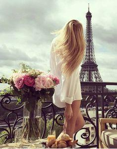 eiffel tower discovered by theodora on We Heart It Paris Appartment, Merci Paris, Little Paris, Belle Villa, Luxe Life, Paris City, City Lights, Belle Photo, Paris Skyline