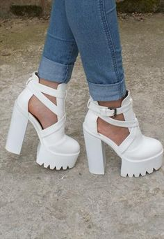 CLEATED PLATFORM HIGH HEEL CUT OUT ANKLE BOOT SHOES - WHITE
