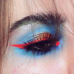 Kreatives Styling f r Foto Shootings Buntes Augen make up mit rotem Lidstrich Makeup Inspo, Makeup Art, Makeup Inspiration, Beauty Makeup, Hair Makeup, Punk Makeup, Makeup Style, Makeup Ideas, Makeup Designs