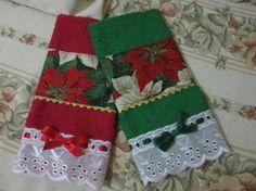 QUE TAL UM PRESENTINHO ESPECIAL ? KIT TOALHINHAS LAVABO NATALINAS COM 2 UNIDADES, 1 VERMELHA E 1 VERDE. ACOMPANHA CAIXA PARA PRESENTE. R$ 28,00 Christmas Towels, Christmas Sewing, Handmade Christmas, Christmas Tree Ornaments, Christmas Crafts, Christmas Decorations, Holiday Decor, Quilting Projects, Sewing Projects