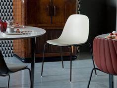 Stapelbarer Stuhl aus Polyurethan