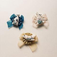 Emblem brooch /cat | kanae entani embroidery