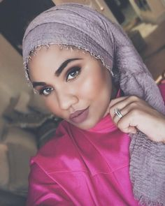 (@eva.ghany) on Instagram Modest Fashion, Hijab Fashion, Hijab Turban Style, Islamic Fashion, Afro Punk, Head Wraps, Hijabs, Celebrities, Head Coverings