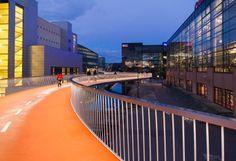 Copenhagen, Denmark, Cykelslangen, DISSING+WEITLING, The cyclists need to get easily from Kalvebod Brygge over to Island Brygge. The long ramp will be an interesting object in the area and. Landscape Plane, Landscape Architecture Model, Architecture Photo, Contemporary Architecture, Landscape Design, Public Architecture, Creative Landscape, Urban Bike, Urban Cycling