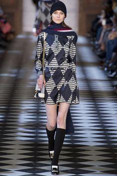 VOGUE fashion | trends | 顔まわり小物で劇的に変化! 最旬ボーイフレンド・カジュアル。 | 2