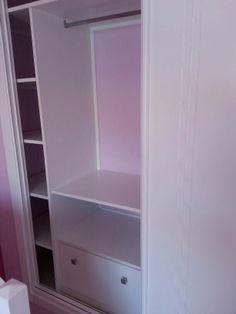Detalle interior armario cajonera 3 cajones y baldas - Forrar interior armario ...