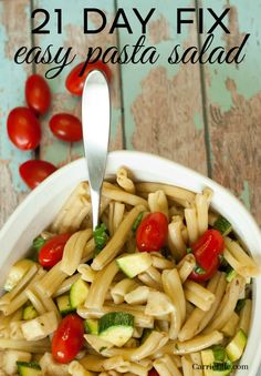 21 day fix easy pasta salad easy meal prep, healthy pasta salad, easy pasta Healthy Pasta Salad, Easy Pasta Salad Recipe, Healthy Pastas, Easy Salads, Healthy Foods To Eat, Easy Meals, Healthy Eating, Fit Meals, Super Healthy Recipes