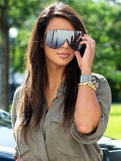 KIMS SUNGLASSES photo | Kim Kardashian