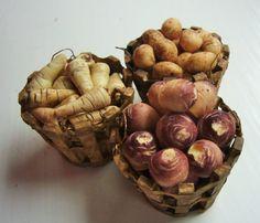 12. Skala Puppenhaus Essen, Karotten, Pastinaken, Kartoffeln und Schweden. Ein Zoll Dollshouse Küche Gemüse