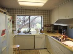 Bieghley Family Kitchen Before shot.  http://www.clearchoiceflooranddesign.com/beighley-kitchen-remodel/