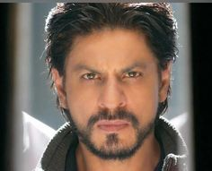 Embedded image permalink-Love this pic of SRK aka Charlie in HNY. So hot!