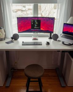Let's show some love for this beautiful productivity workspace 📸 Pc Setup, Desk Setup, Gaming Setup, Gaming Chair, Workspace Inspiration, Inspiration Boards, Workspace Design, Desk Space, Office Desk