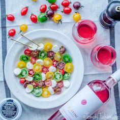 簡単おしゃれ!カラフルトマトの「水玉カプレーゼ」が夏のホムパにぴったり♩ - macaroni