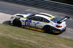 Festival des GT-Sports in der Eifel Am kommenden Wochenende schlägt das Herz des Motorsports in der Eifel: Bei der 44. Auflage des 24-Stunden-Rennens auf dem Nürburgring (DE) treffen die besten Fahrer, Teams und Fahrzeuge, die der GT-Sport zu bieten hat,..