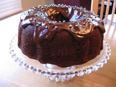 Super Moist Chocolate Bundt Cake: Roxann Johnson gave this recipe to me. For sheet cake, I bake it at 400 degrees for 20 minutes. It is the best chocolate cake, EVER! Best Chocolate Bundt Cake Recipe, Bundt Cake Mix Recipe, Chocolate Bunt Cake, Vegetarian Chocolate Cake, Super Moist Chocolate Cake, Chocolate Recipes, Melt Chocolate, Bakers Chocolate, Delicious Chocolate