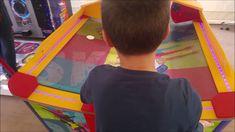 WIK Skate léghoki asztal működés közben - videó Darts, Wii, Skate, Dart Flights
