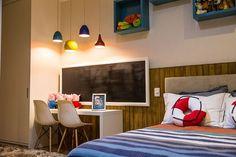 O dormitório infantil, além de aconchegante, é um espaço para a criança despertar sua criatividade.  Projeto: Priscila Sordi