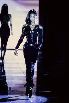 Versace Fall 1992 Ready-to-Wear Fashion Show - Beverly Peele