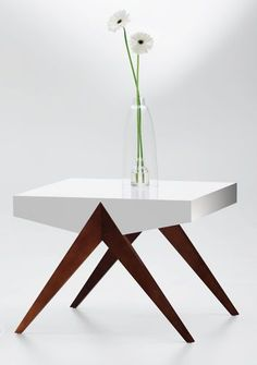 Coffee table decorating ideas can transform that cluttered tabletop right into a design attribute to be proud of. Appreciate the most effective layouts for Unique Coffee Table, Diy Coffee Table, Decorating Coffee Tables, Coffee Table Design, Design Table, Table Designs, Funky Furniture, Contemporary Furniture, Wood Furniture