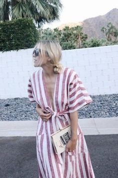This summer dress idea is perfect for your holiday wardrobe.