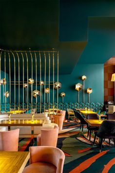 LARIOS CAFE IN MADRID #InteriorDesignCafe
