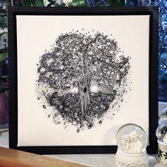 "141 gilla-markeringar, 7 kommentarer - Annika Helene • Illustration (@annikahelene.dk) på Instagram: ""'Lykketræ' // tree of luck for my mom & dad 🎄🍀🌸 #growing #drawing #intricate #illustration #tangled…"""