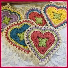 Transcendent Crochet a Solid Granny Square Ideas. Inconceivable Crochet a Solid Granny Square Ideas. Beau Crochet, Crochet Home, Love Crochet, Beautiful Crochet, Crochet Crafts, Crochet Flowers, Crochet Projects, Crochet Crowd, Crochet Baby