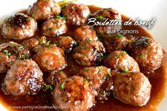 Ces boulettes de boeuf aux oignons sont délicieuses et font partie de ces recettes qui se transmettent demère en fille ou petite-fille. Elles sont riches en saveurs, moelleuses à souhait et c&rsqu…