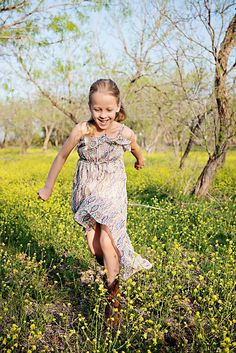 Texas spring!  Heidi Knight Photography. http://heidiknightphotography.com/blog/index.php/2013/03/24/flower-blossoms/