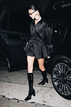 Find images and videos about kendall jenner and new on We Heart It - the app to get lost in what you love. Kendall Jenner Boots, Kendall Jenner Outfits, Fashion 101, Fashion Models, Fashion Outfits, Womens Fashion, Inspirational Celebrities, Streetwear Fashion, Celebrity Style