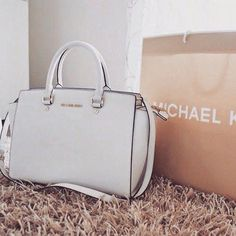 2015 New Cheap Michael Kors Amangasett Straw Large Grey Totes Women Bags Outlet  Online. 059a6c3bff
