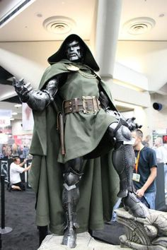 Dr.Doom statue at SDCC. LOVE it.