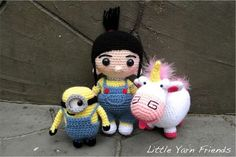 Crochet Pattern: Lil' Fluffy Unicorn (Despicable Me) After making Lil' Minion and Lil' Agnes, many of you have been asking for Agnes's fluffy unicorn. I have to agree, Agnes will not be complete. Minion Crochet, Crochet Unicorn, Crochet Amigurumi, Amigurumi Patterns, Amigurumi Doll, Crochet Dolls, Crochet Patterns, Crochet Gifts, Diy Crochet